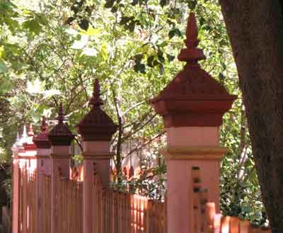 Feature Posts with Angelina metal capitals