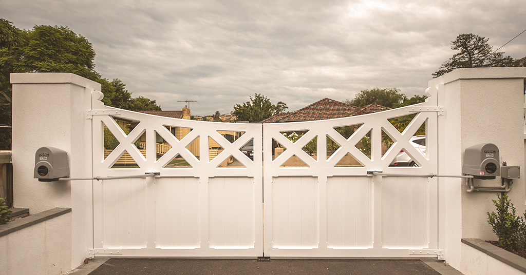 Automatic Wooden Driveway Gates